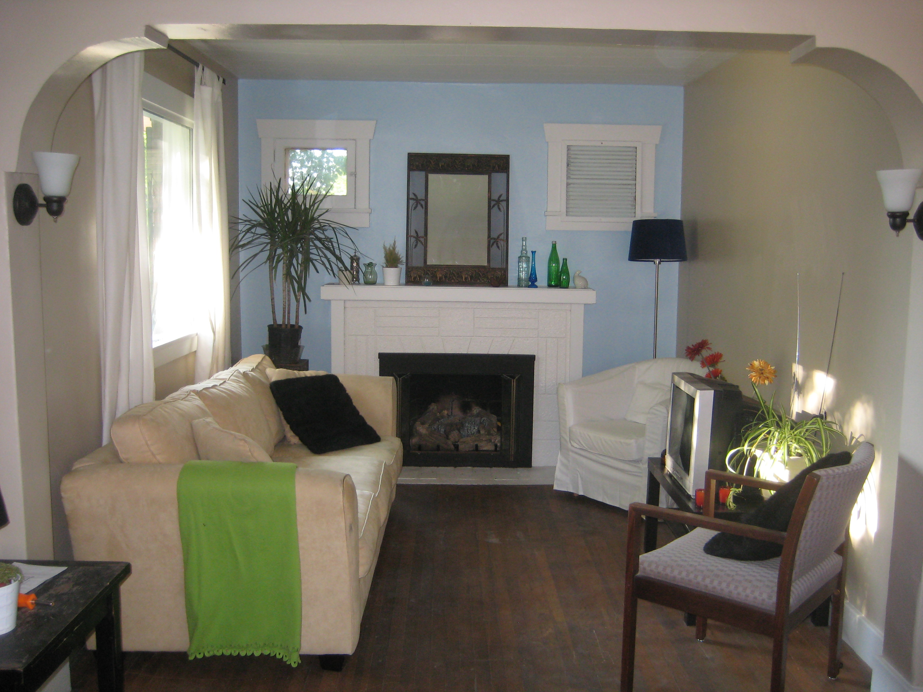 How To Paint Living Room. Paint Living Room When Highly Visible ...
