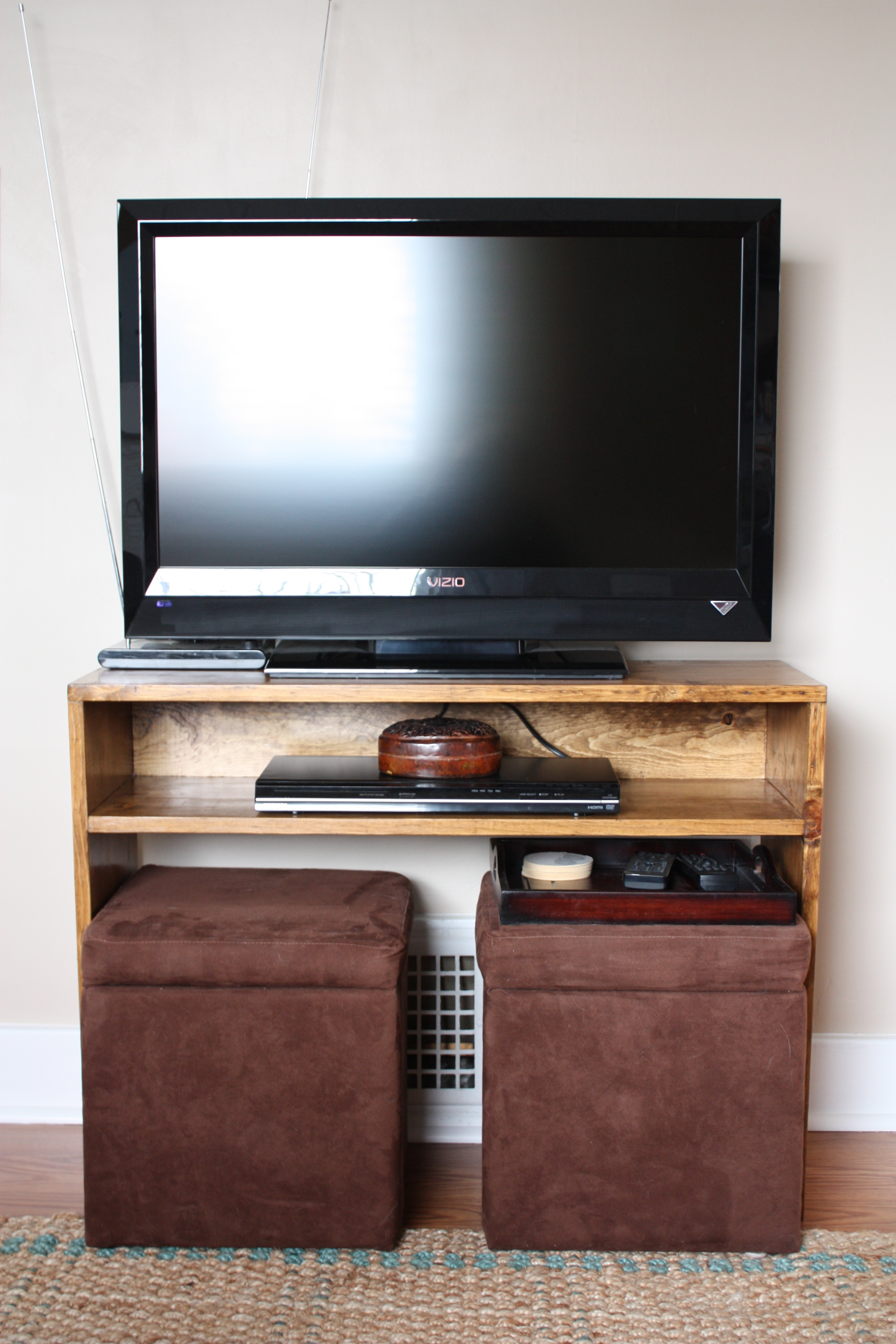 Finished project: TV table | Hip House Girl